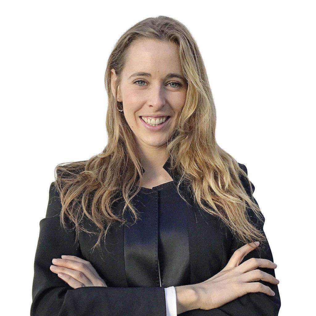 Elena Arveras
